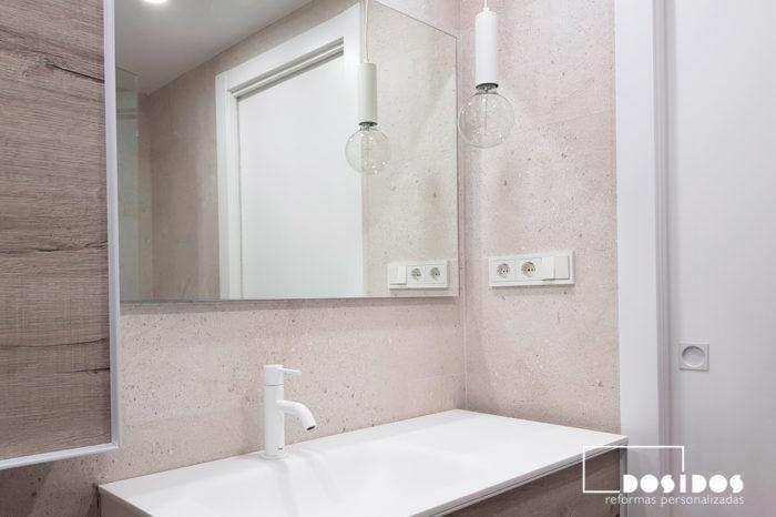 Baño Porcelanosa moderno lampara decorativa incandescente